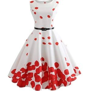 Vintage Inspired Petal Patterned Dress